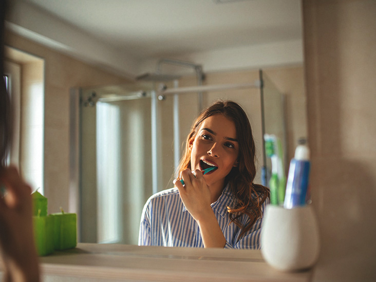 Naturally Whiten Your Teeth