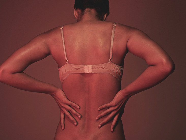 Can large breasts cause back pain
