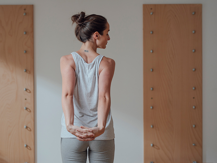 Is It Bad to Crack your Back? Side Effects and Risk Factors