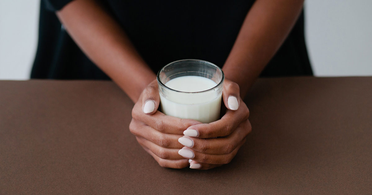 Drinking Milk Before Bed: Is It a Good Idea?