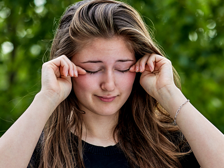 Home Remedies for Itchy Eyes: Remedies That Really Work