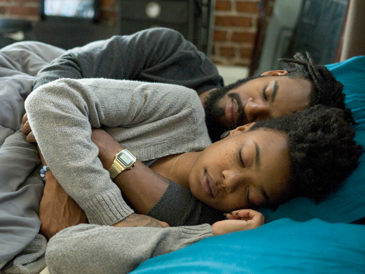 How Have a Sound Sleep for Couples Without Worrying About