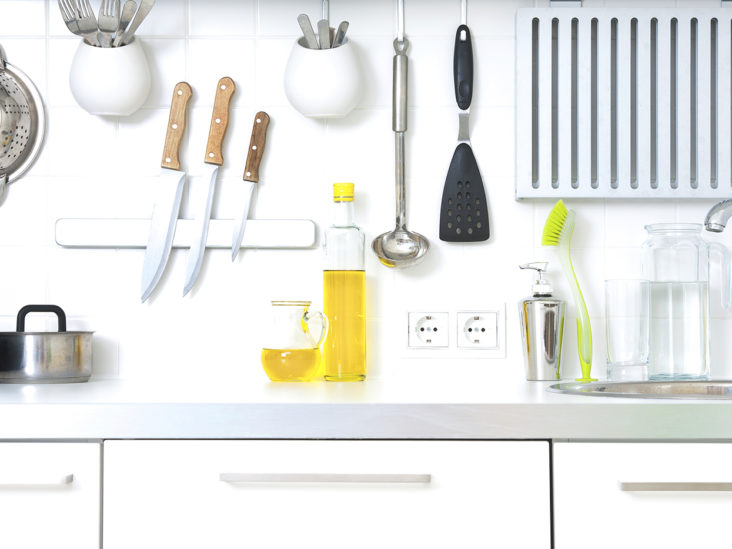 27 Chemical-Free Recipes for DIY Spring Cleaning