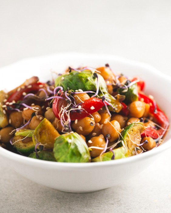 Healthy Dinner Recipes for Beginners: Chickpea and Vegetable Stir-Fry by Simple Vegan Blog