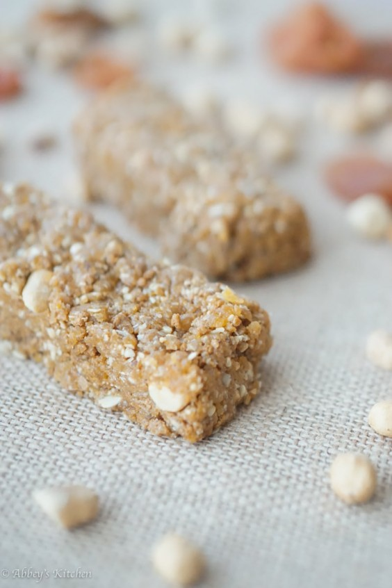 5. Gluten-Free No-Bake Granola Bars With Peanuts and Apricot