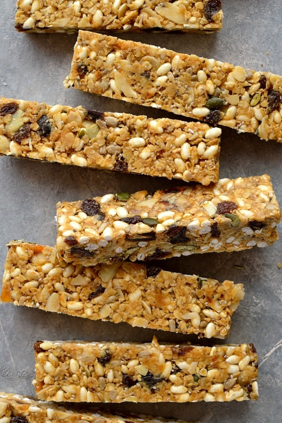 4. Chewy, No-Bake Peanut Butter Granola Bars