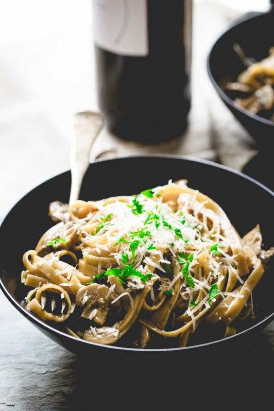 16. Vegetarian Fettuccine Carbonara With Mushrooms