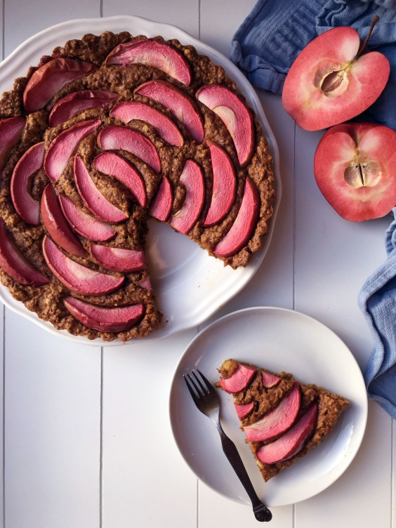 11. Quick and Simple Pumpkin Apple Cake