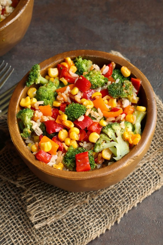 Healthy Grain Bowls: Roasted Broccoli and Rice Bowl With Chipotle Red Peppers