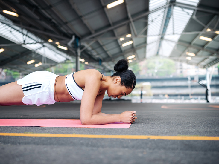 How To Do A Forearm Plank Modifications Benefits And Tips