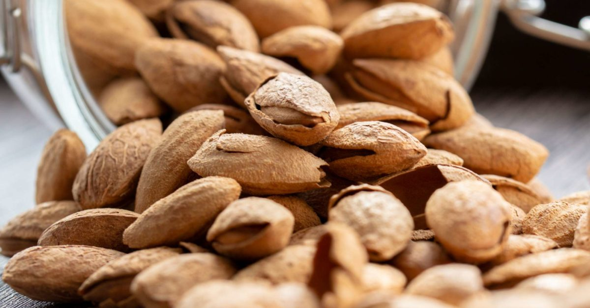Almonds Health Benefits Nutrition And Risks